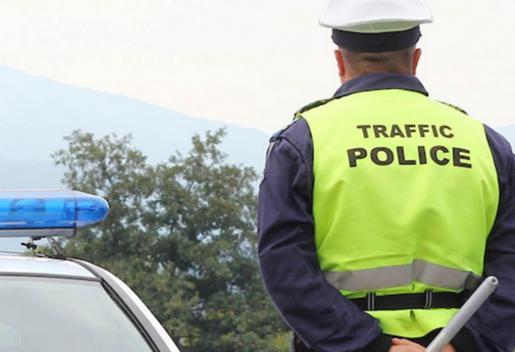 Млада шофьорка изгуби контрол над колата и предизвика катастрофа на пътя гр.Доспат-с.Барутин