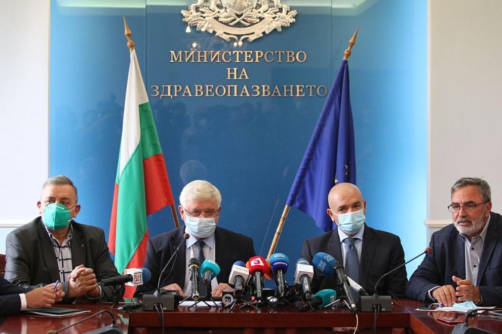 Извънредната епидемична обстановка се удължава до края на юли
