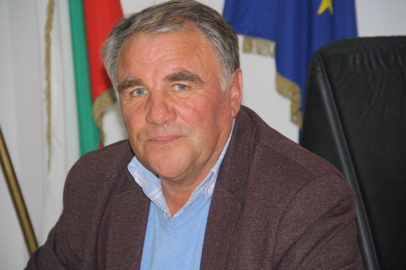 Почина Кметът на Община Баните