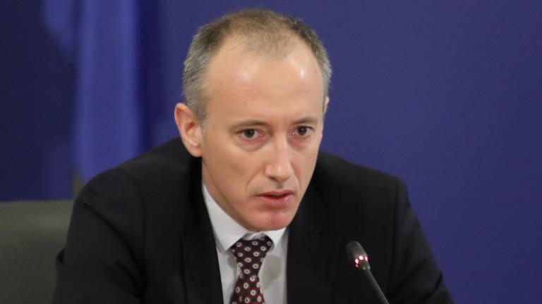 Министър Красимир Вълчев удължи учебната година … Заповед