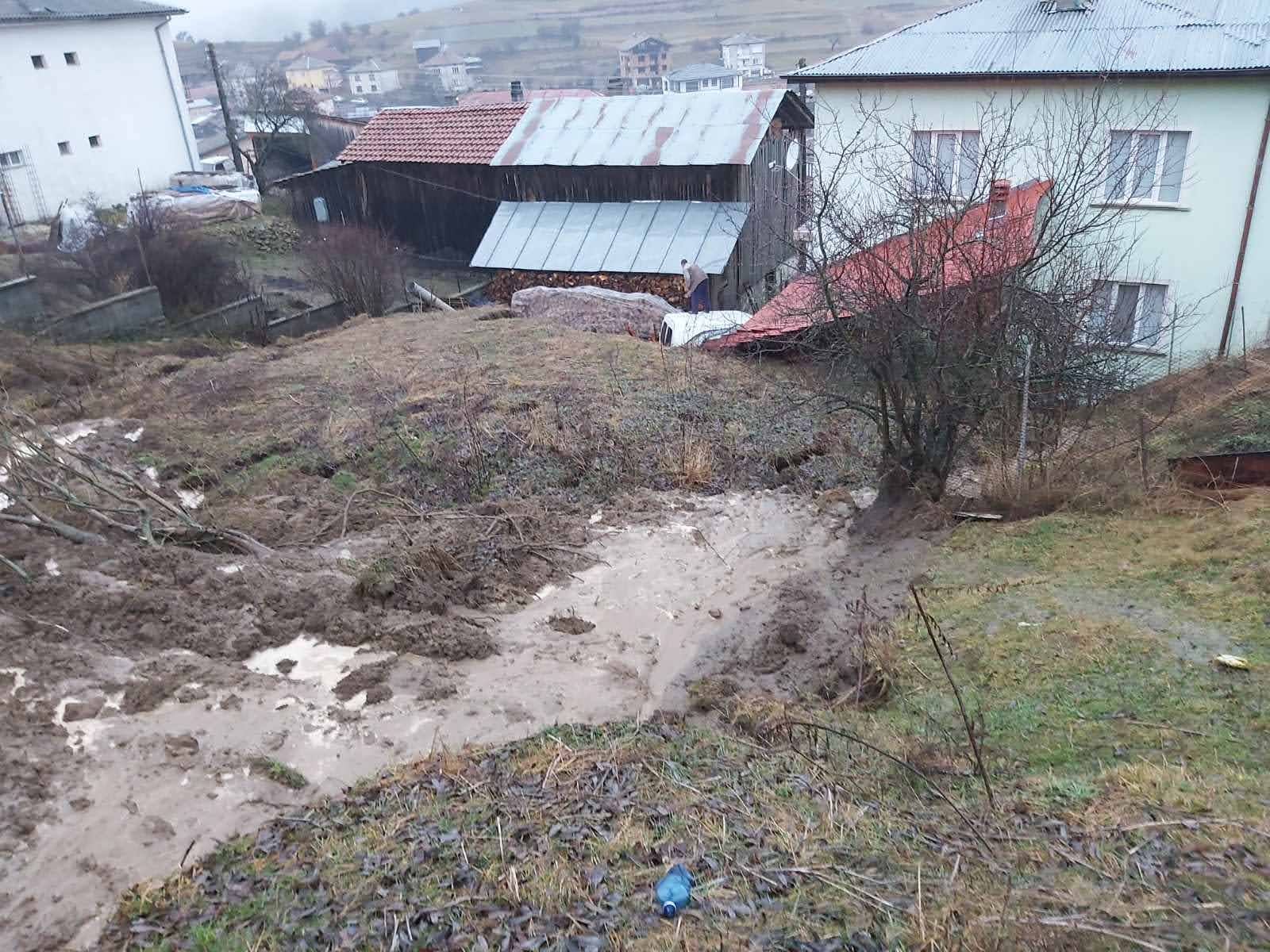 На много сигнали за наводнени имоти се отзоваха екипите на РСПБЗН на 12 януари