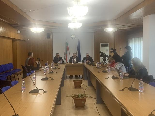 Областният управител Стефан Сабрутев представи екипа и приоритетите в работата на областна администрация през следващите месеци